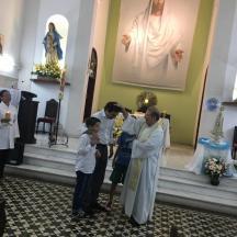 Aniversariante recebendo a Benção no dia do Tríduo